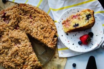Best Berry Crumble Cake